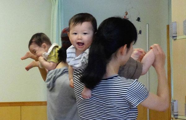 赤ちゃん体操2(600