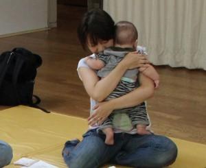 ユニケ160727(赤ちゃんマツサージ8)