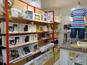 赤ちゃん用品売り場1(600
